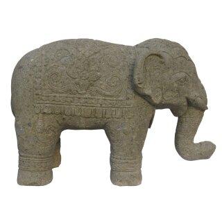 Elefant mit aufwendiger Verzierung, L 100 cm, Steinmetzarbeit aus Basanit